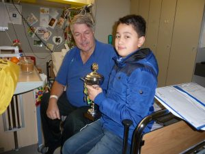 Bij schaakmeester Jan Sijbesma in het ziekenhuis