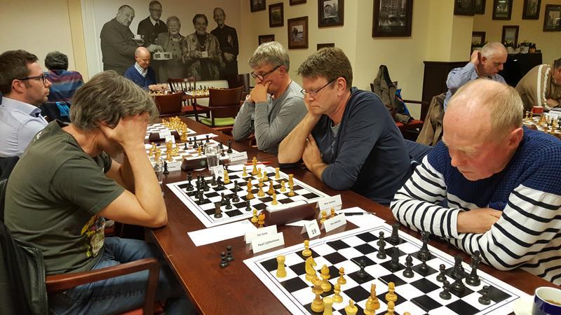 Diepe concentratie in de derde ronde van het Spindler Makelaars Watertorentoernooi!