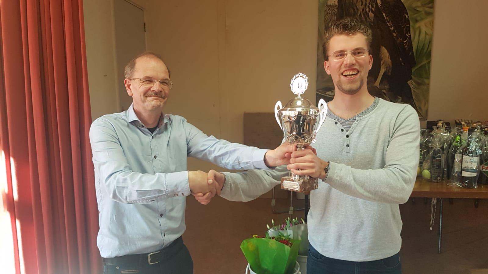 Alblasserwaardtoernooi 2018: Mark van Hulst (l) en winnaar Niels Mijnster